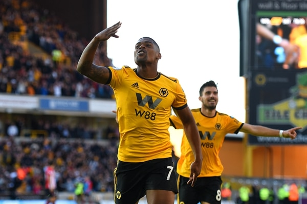 Redmond double helps Southampton beat timid Wolves 3-1