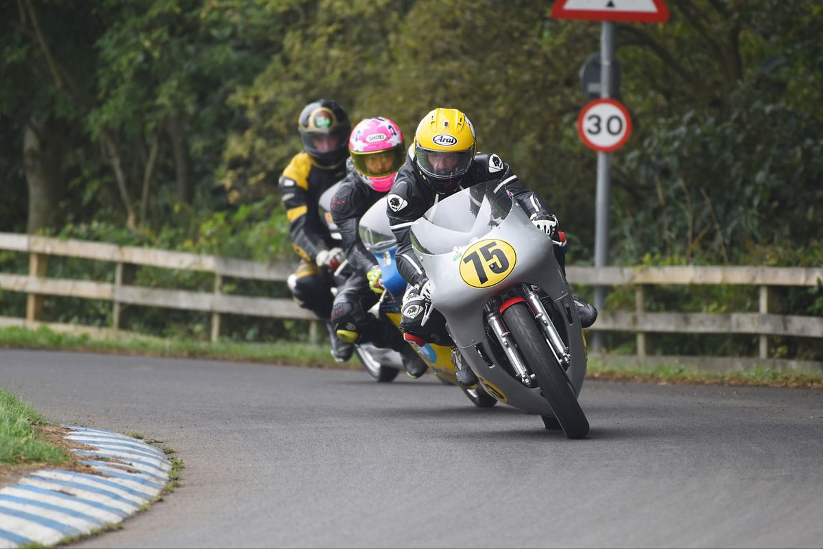 Lloyd leads the chasing pack at Oliver's Mount. Picture: ottpix@btinternet.com