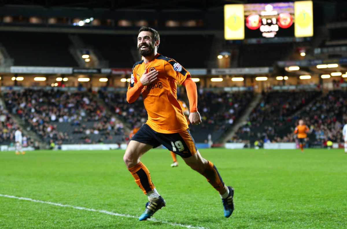 Jack Price of Wolverhampton Wanderers celebrates after he scores to make it 1-2 . (AMA)