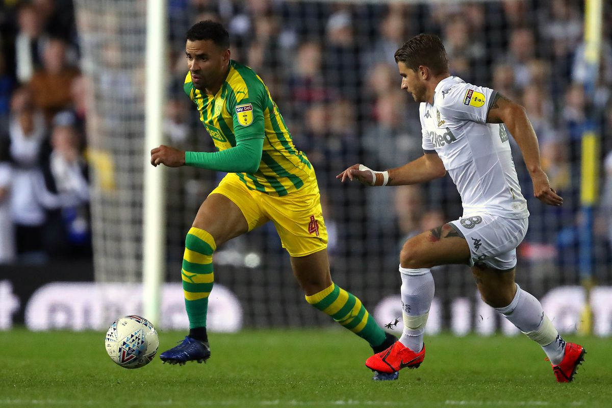 Hal Robson-Kanu of West Bromwich Albion and Gaetano Berardi of Leeds United. (AMA)