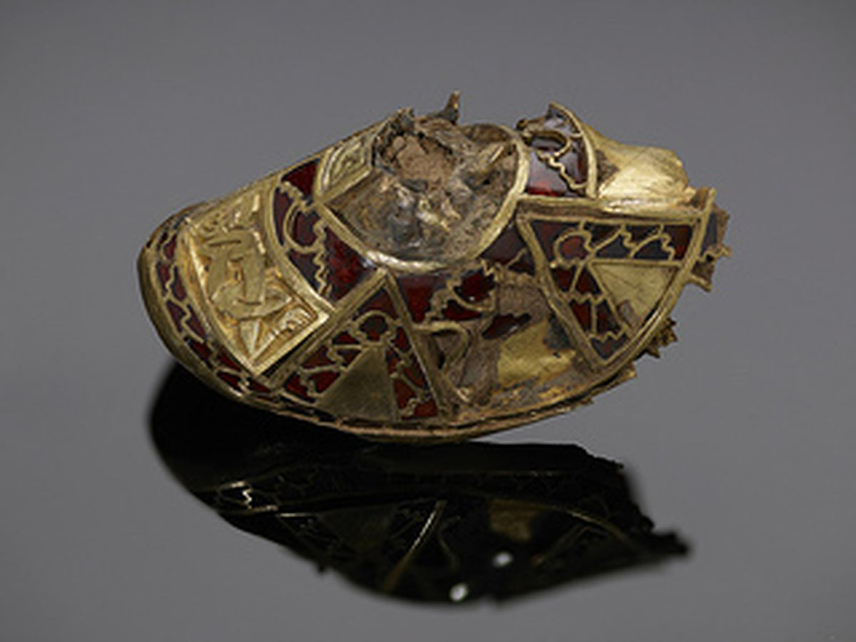 Gold and garnet with interlace animal panels. The lower part of the mystery object which is also made up of K545 and K1055