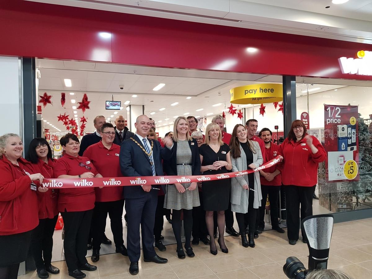 Hundreds flock to opening of Wolverhampton's new Wilko store - expressandstar.com