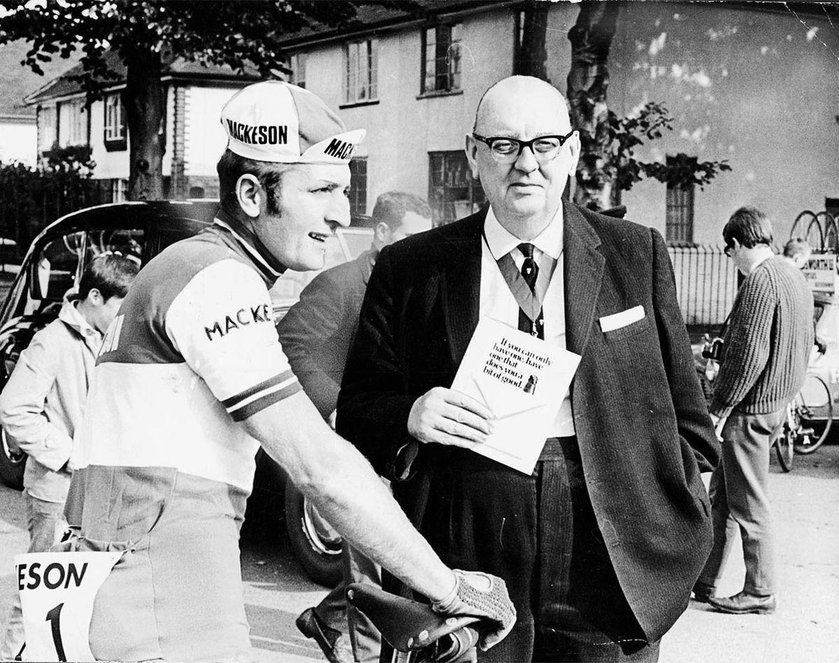Hugh Porter sets off on a 235-mile race with Mayor of Wolverhampton Stanley Tatem in 1969