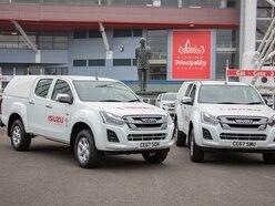 Truckman supplies hardtops for Isuzu's Welsh rugby sponsorship programme