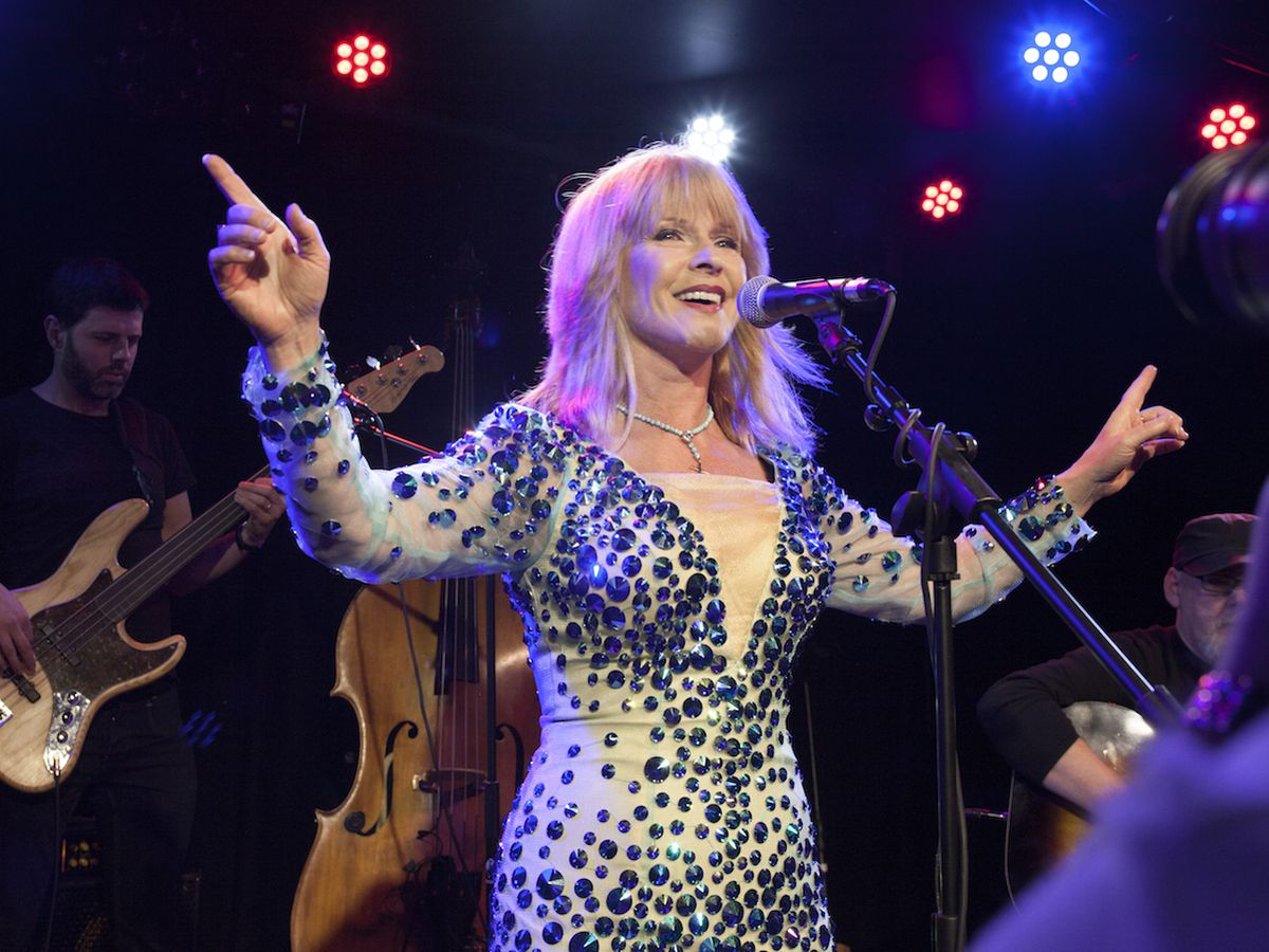 Toyah performing at The Water Rats in 2016.
