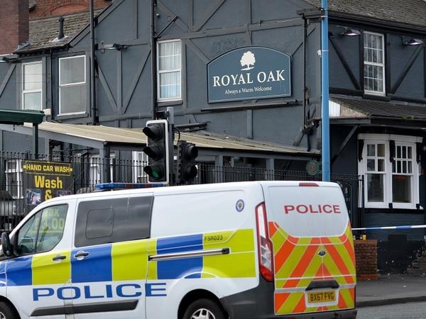 Man arrested after stabbing outside Tipton pub