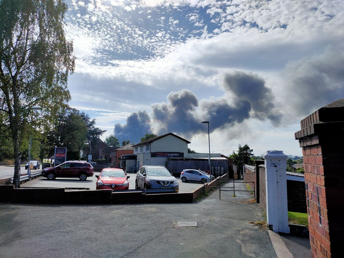 Smoke could be seen from Stourbridge Road. Photo: Andrew @68Langers