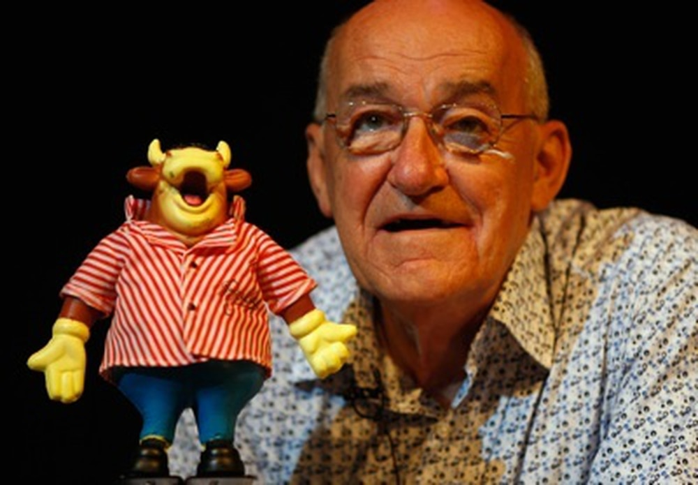 Radio & television presenter Jim Bowen dies