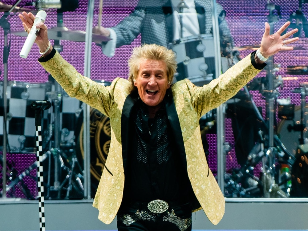 Tickets for Rod Stewart at Molineux selling like Hot Legs