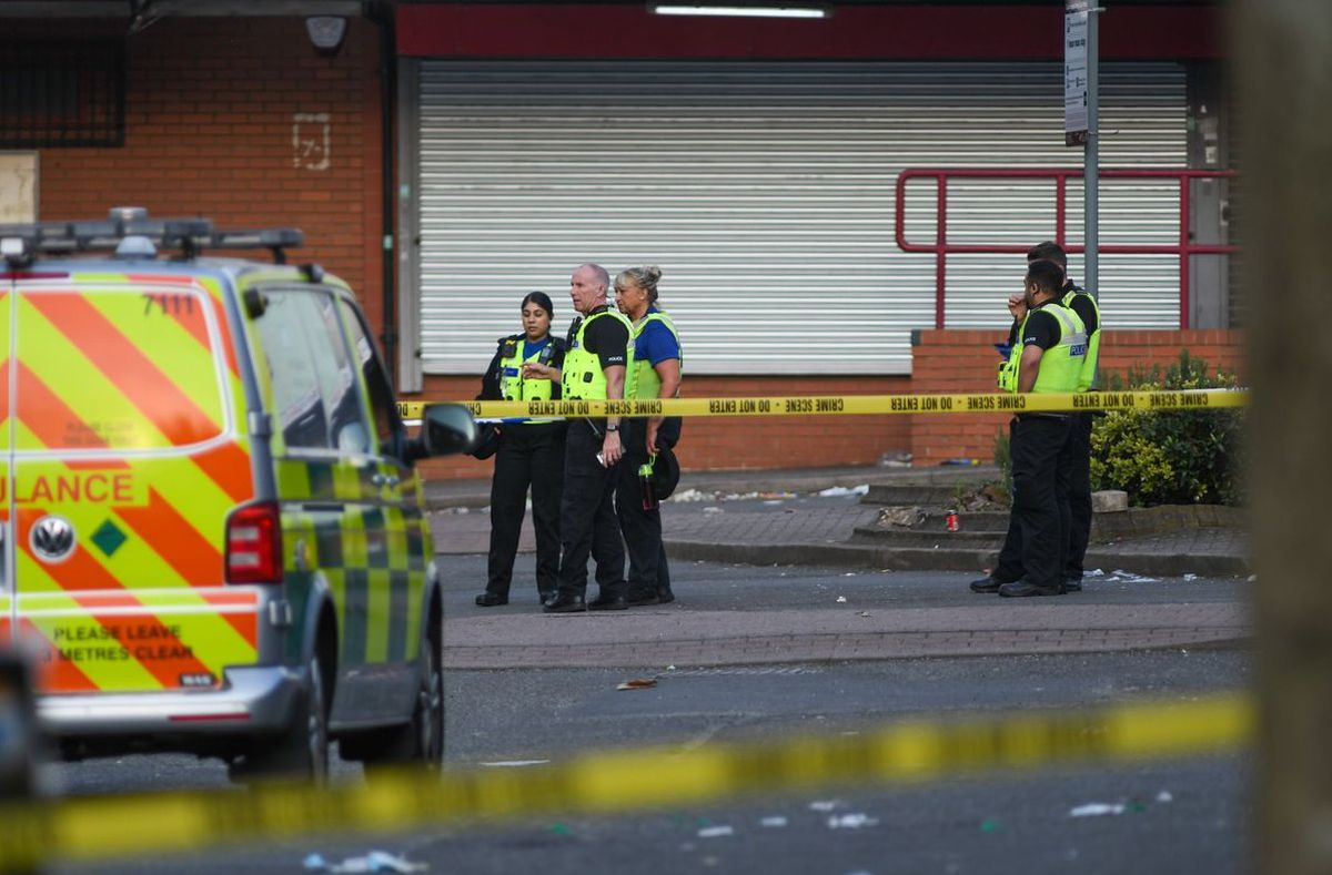 Emergency services at the scene. Photo: SnapperSK