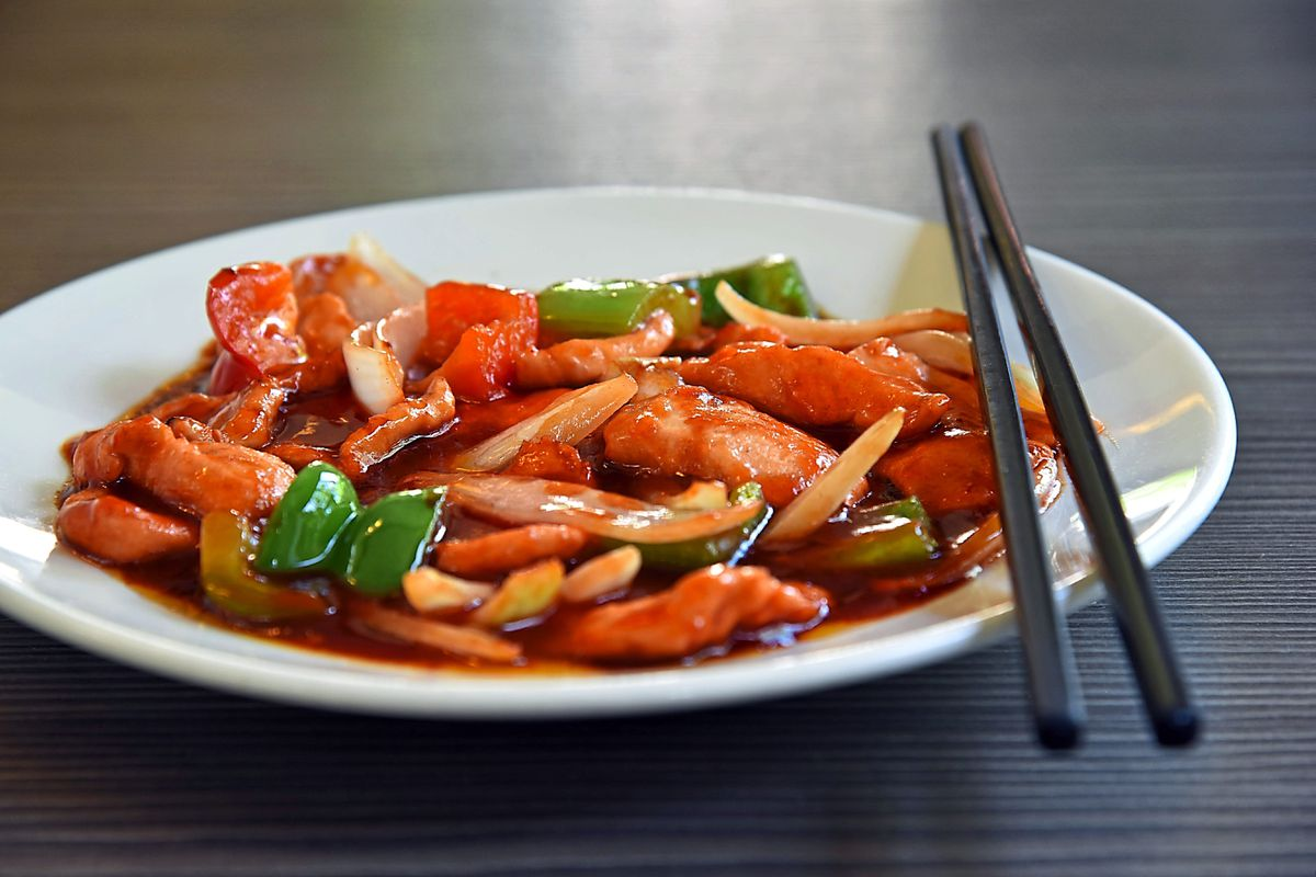 The delightful Mandarin chicken dish featured thin slices of tender chicken