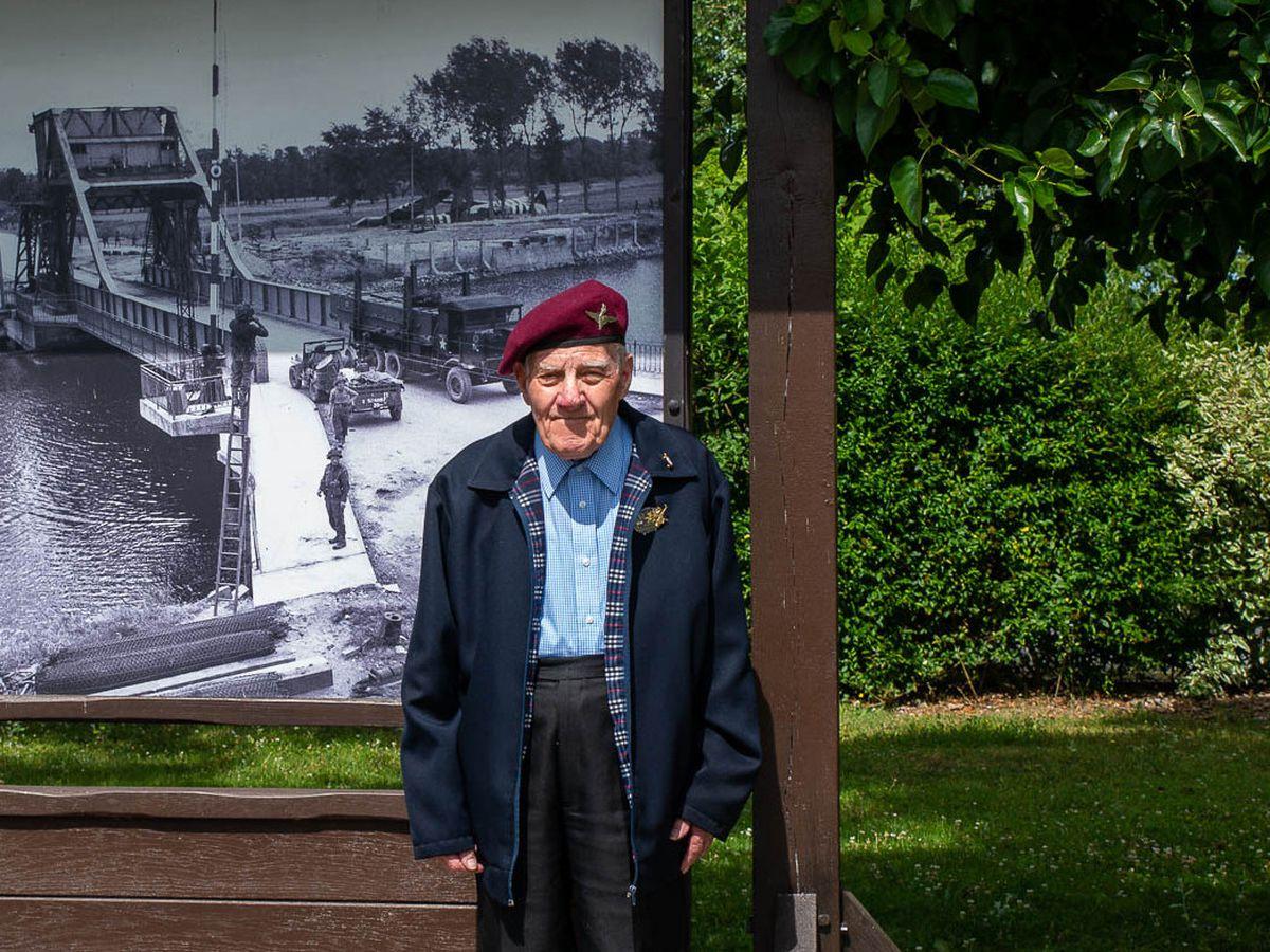 Second World War paratrooper Frank Swann has died aged 99