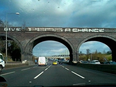 Give Peas Another Chance! Campaign aims to restore iconic M25 graffiti