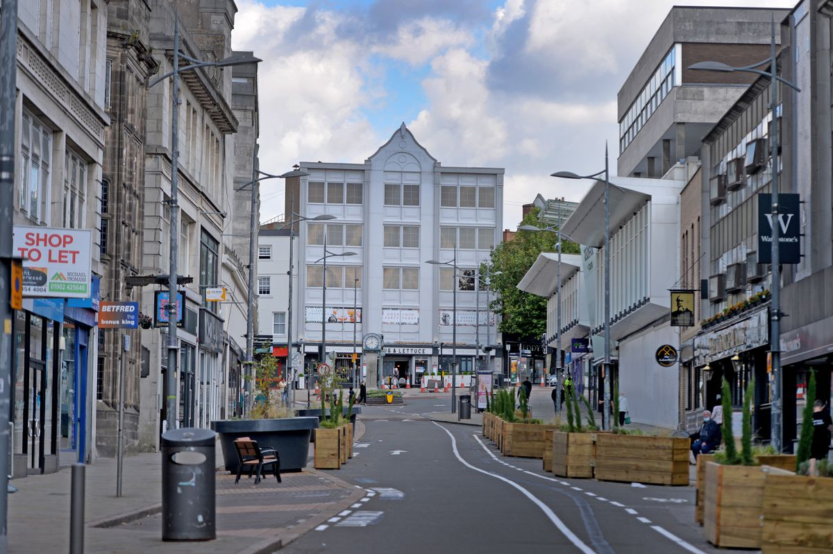 WOLVERHAMPTON  COPYRIGHT TIM STURGESS EXPRESS AND STAR...... 01/09/2020..... Lunch time in the city centre is almost like a ghost town as office workers stay at home. Pictired, almost empty streets..