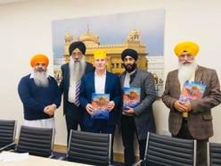 Labour leadership candidate Keir Starmer visits Smethwick Gurdwara