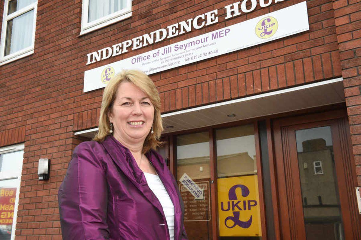 HS2 'destructive' says UKIP transport chief