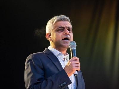 Sadiq Khan backs Keir Starmer in Labour leadership race