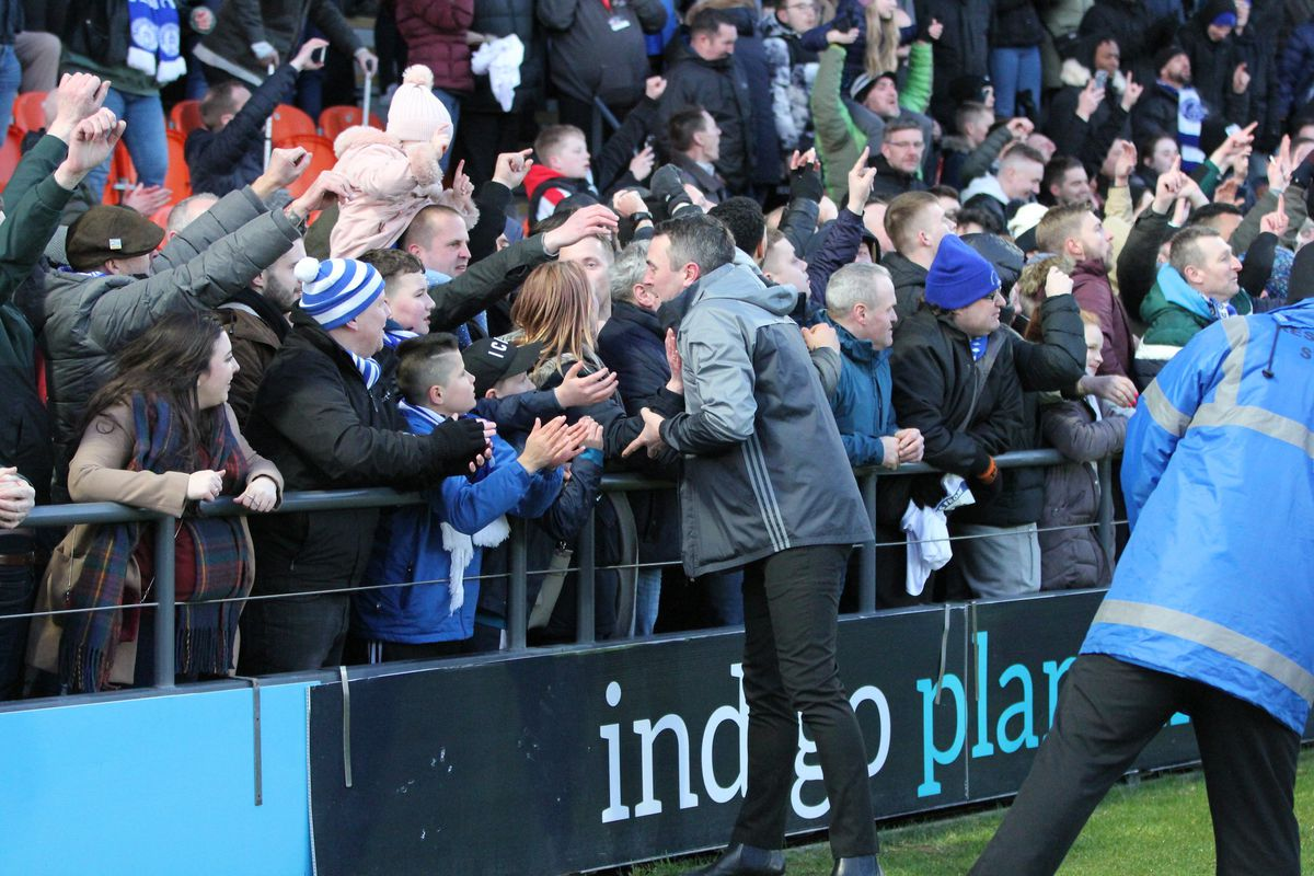 Barnet 1 Halesowen Town 2. picture by Steve Evans. Yeltz fans with manager Paul Smith