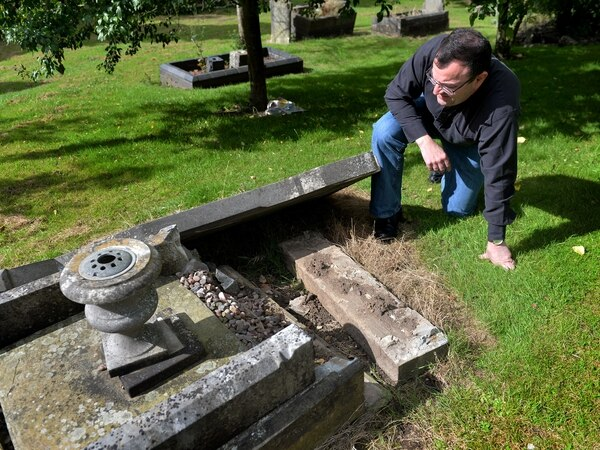 Brierley Hill war hero grave to be the last restored for time being
