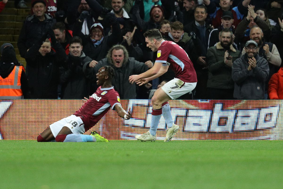 Aston Villa's Tammy Abraham celebrates scoring his side's second goal of the game during the Sky Bet Championship match at Villa Park, Birmingham..