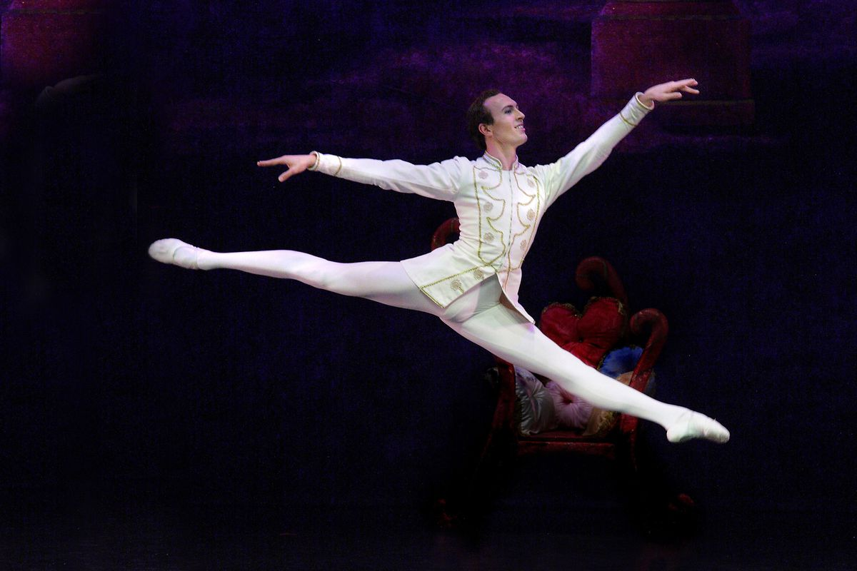 Oliver Speers in Nuts Jete. Photo by: Peter Mares