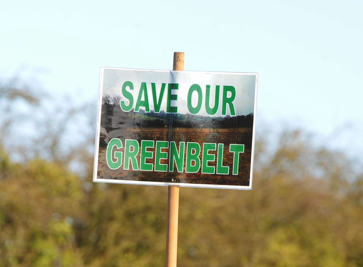 Signs have been put up along Sandyfields Road