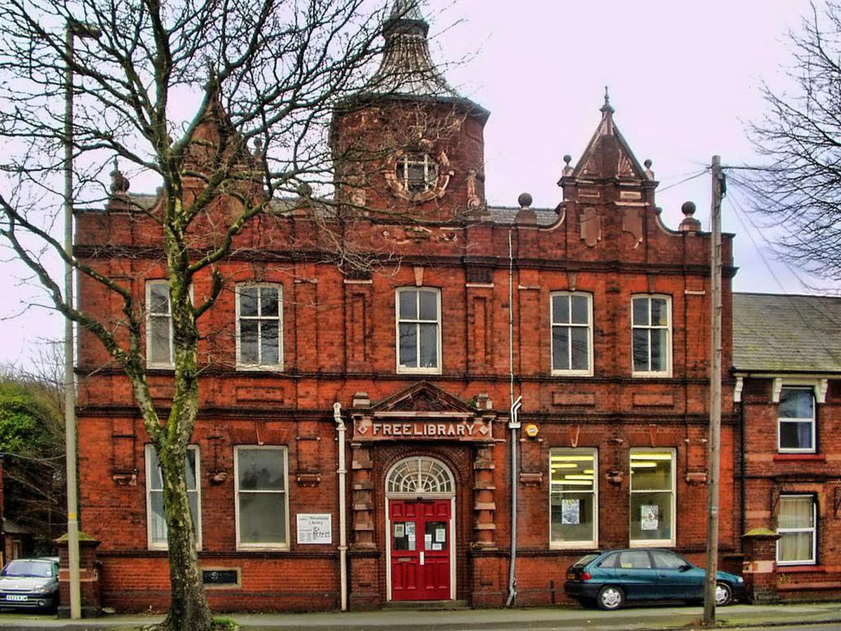 Woodside Library before it closed in 2008