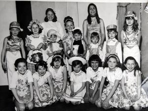 Denise in 1973 with her pupils during her first show