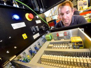 Wolverhampton manufacturer wins contract to design major rail test rig
