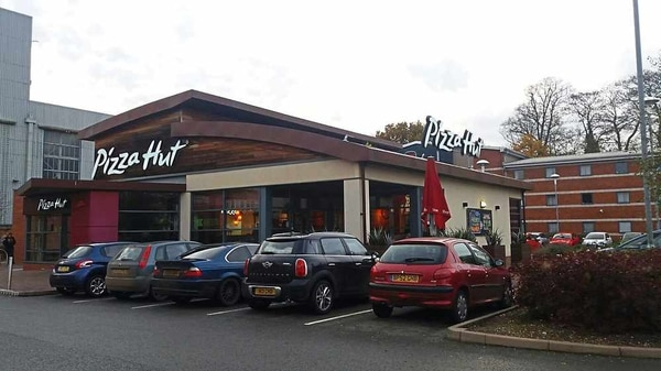 Pizza Hut Hough Retail Park Stafford Food Review
