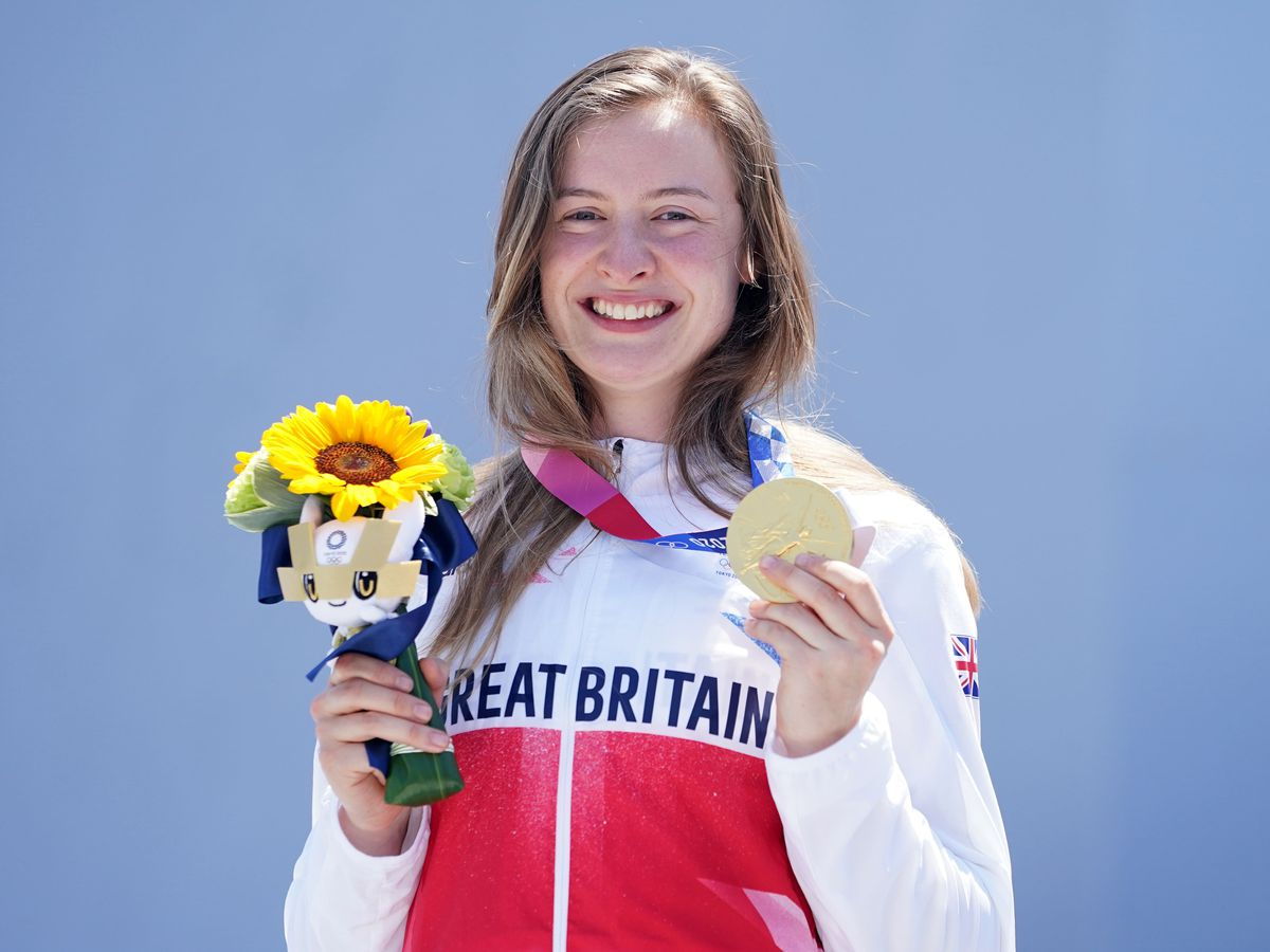 Charlotte Worthington with her gold medal