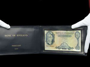 A £5 banknote was originally presented to former prime minister Harold Macmillan in 1957