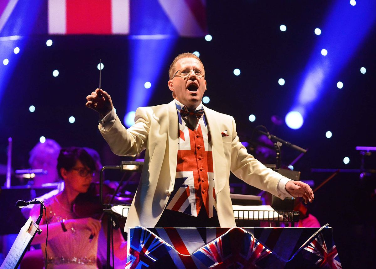 Adrian Jackson conducts at the Gala Night in 2016