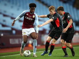 """Aston Villa's Carney Chukwuemeka (left) battles with Liverpool's James Norris and Luca Stephenson during the FA Youth Cup Final at Villa Park, Birmingham. Picture date: Monday May 24, 2021. PA Photo. See PA story SOCCER Youth Cup. Photo credit should read: Nick Potts/PA Wire...RESTRICTIONS: EDITORIAL USE ONLY No use with unauthorised audio, video, data, fixture lists, club/league logos or """"live"""" services. Online in-match use limited to 120 images, no video emulation. No use in betting, games or single club/league/player publications.."""