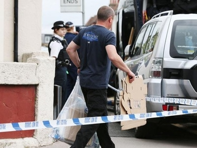 Police continue to quiz four men in Parsons Green bomb probe