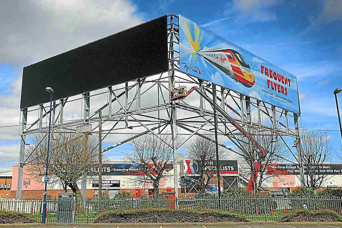 The well-known electronic advertising boards by the M6