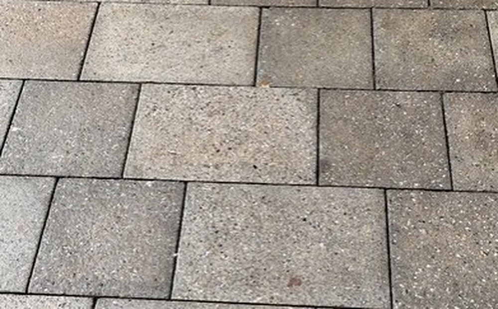 Jewsons Block Paving >> 2 000 Cost For Path Made Of Five Paving Slabs Express Star