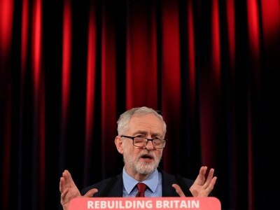 Not supporting second referendum means colluding with May, Corbyn warned
