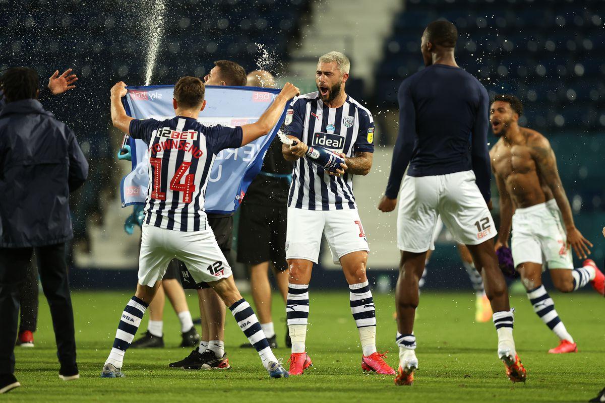 Charlie Austin of West Bromwich Albion celebrates promotion. (AMA)
