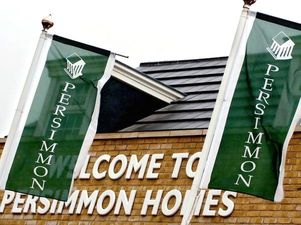 Persimmon chief departs as profits dip