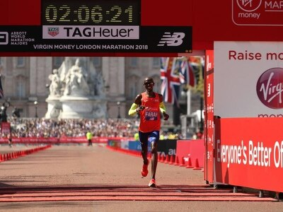 Sir Mo beats the heat to post British record at London Marathon