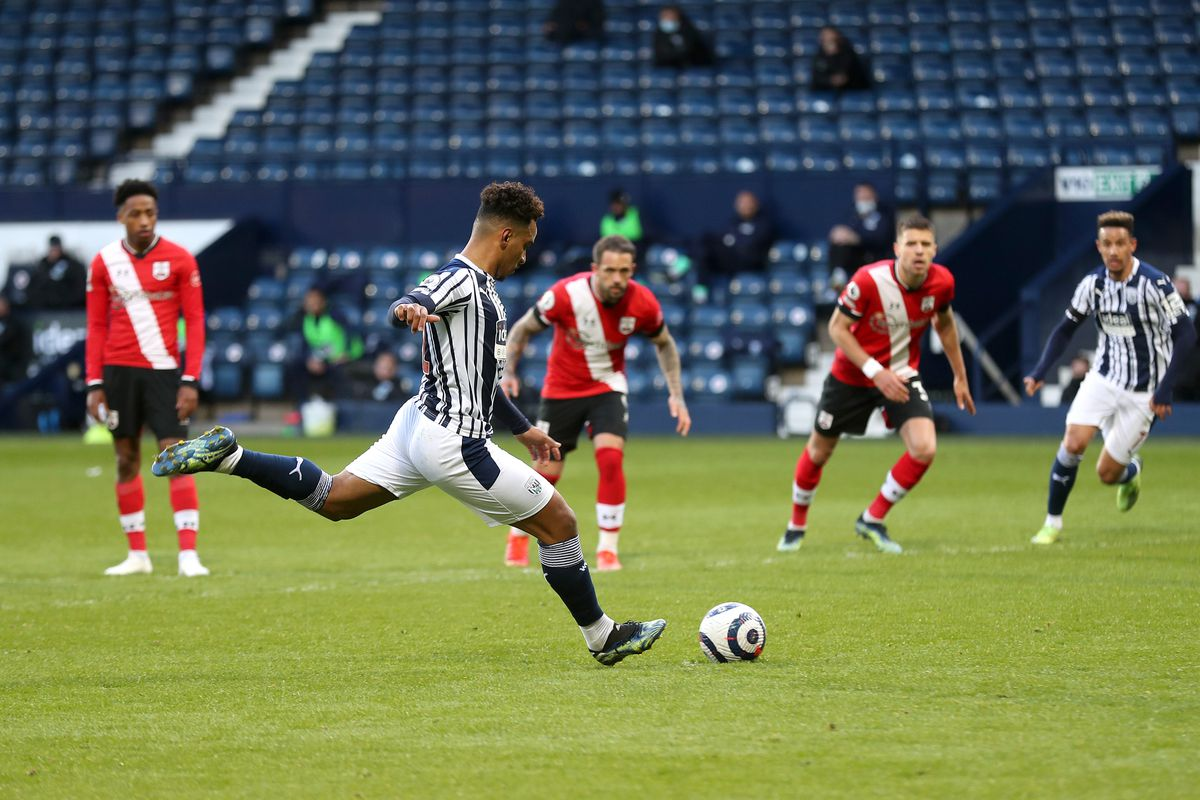 Matheus Pereira of West Bromwich Albion scores a goal to make it 1-0 from the penalty spot. (AMA)