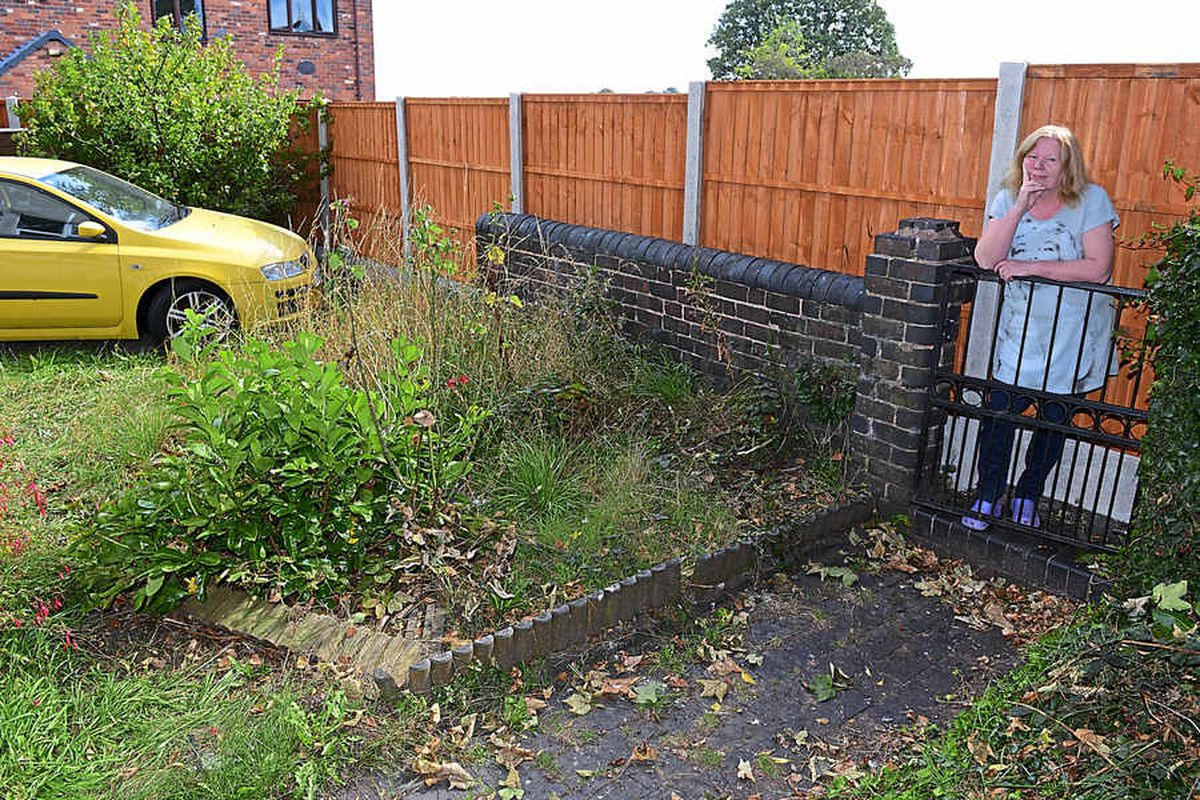 Six foot fence erected around Brownhills home