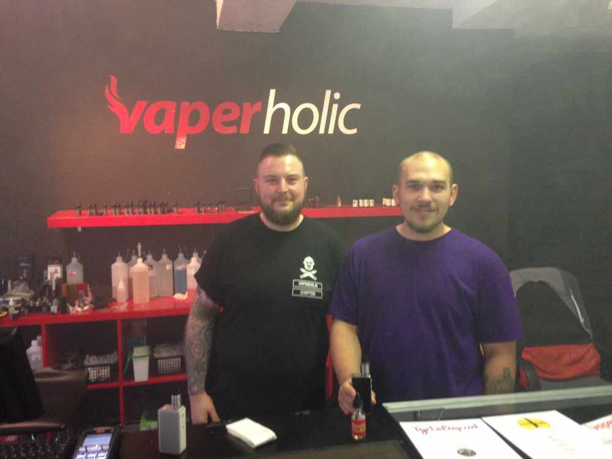 Paul Squires and Shane Bannister at Vaperholic