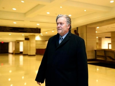 Steve Bannon to meet Russia probe investigators