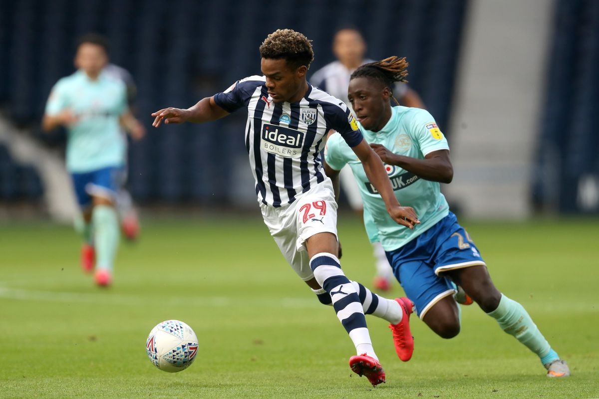 Grady Diangana of West Bromwich Albion and Osman Kakay of Queens Park Rangers. (AMA)