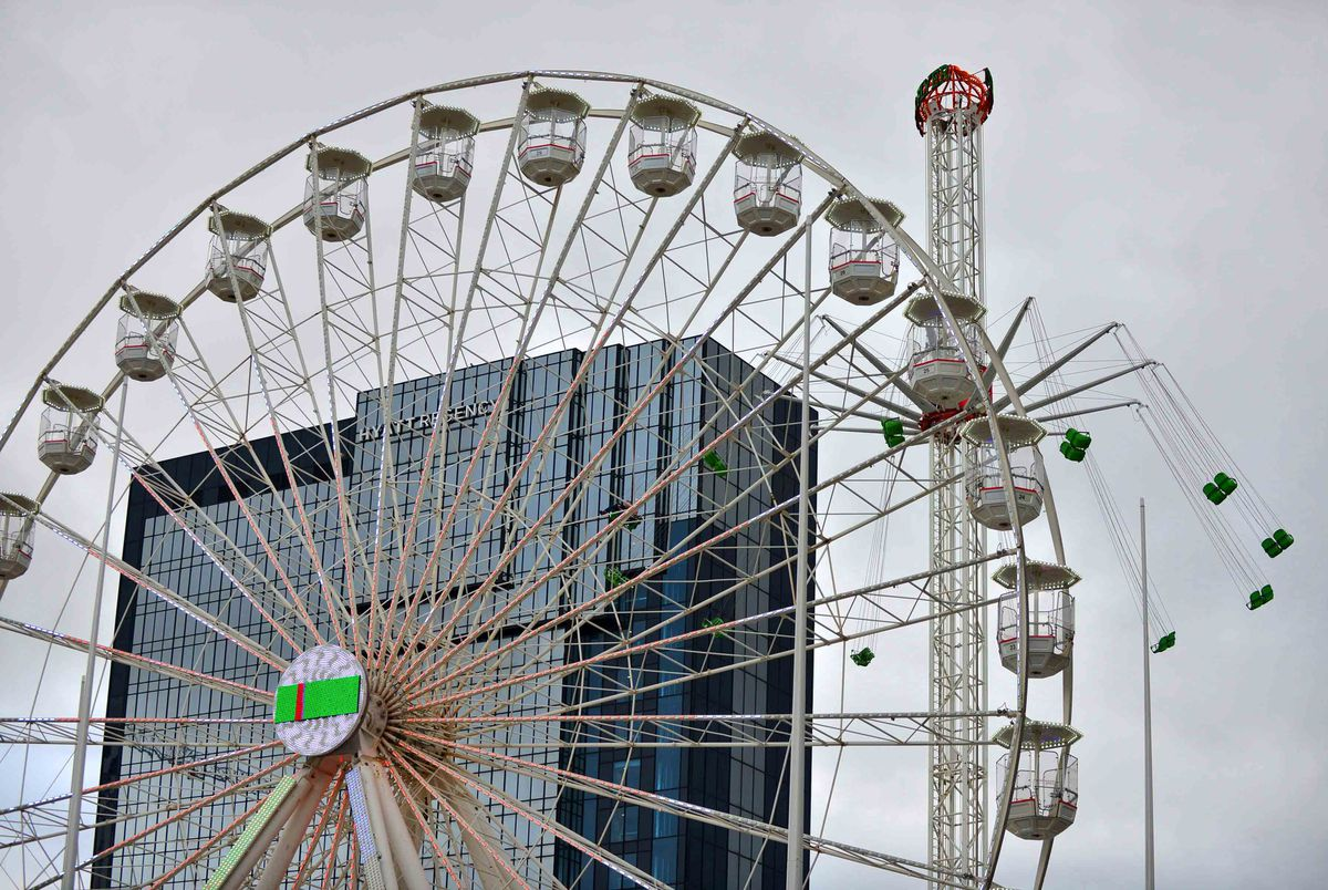 The new wheel on Centenary Square