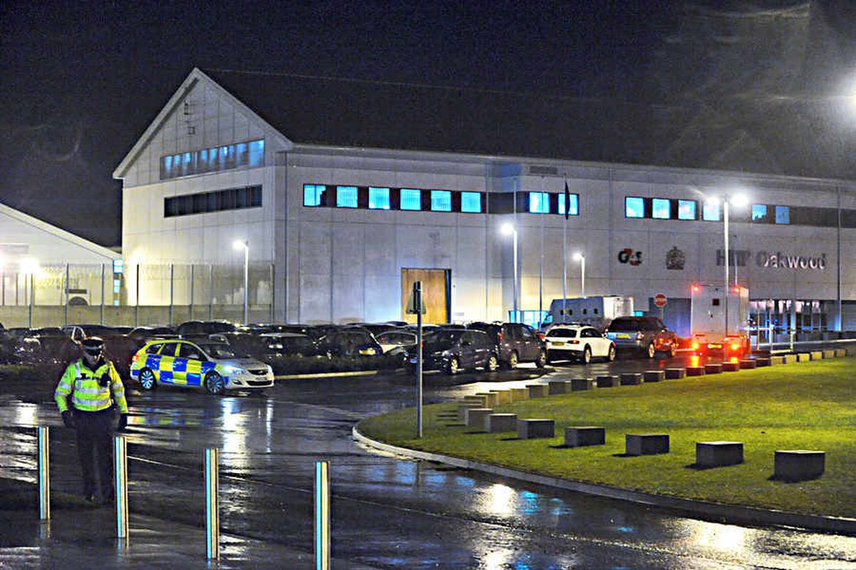 EXCLUSIVE: Just two staff to control Oakwood jail riot