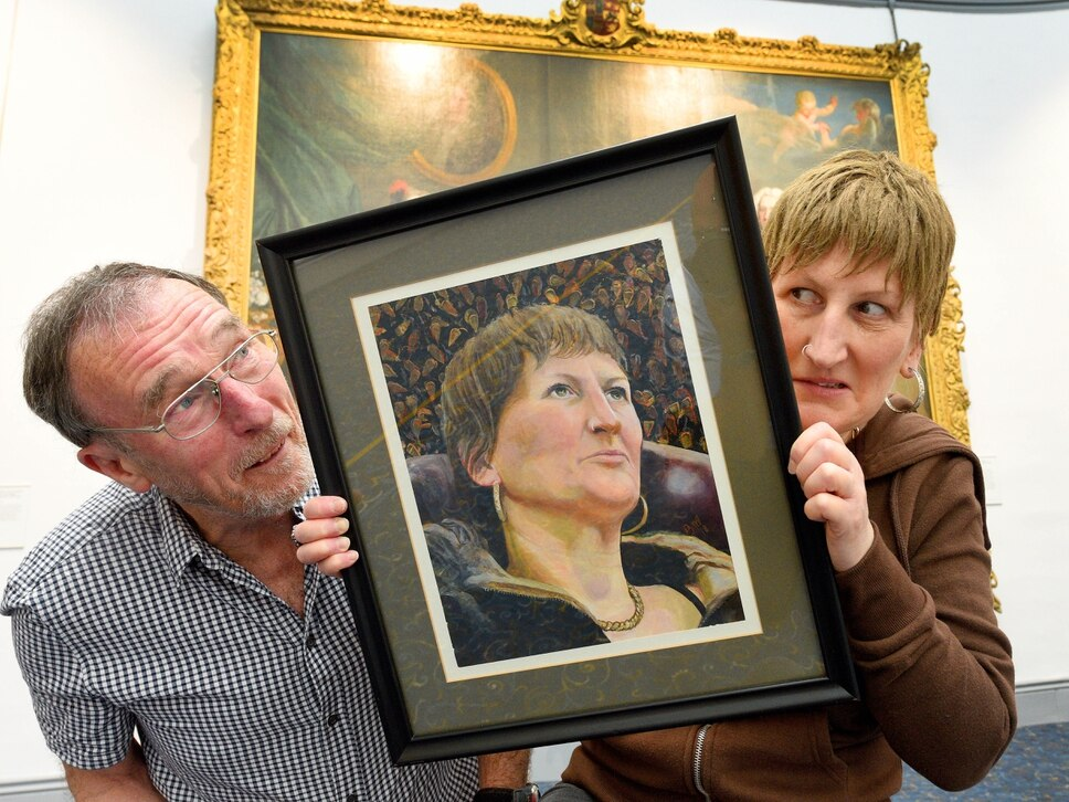 Rugeley artist wins competition to paint Black Country comedian Doreen