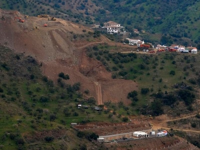 Spanish rescuers hope to reach borehole fall toddler in 35 hours